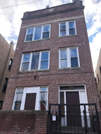 Rent this 3 bed apartment on 2645 W Augusta Blvd in Chicago, IL 60622