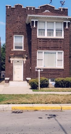 Rent this 4 bed duplex on 1526 East 73rd Place in Chicago, IL 60619