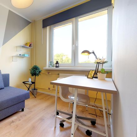 Rent this 4 bed room on Łukowska 15 in 04-133 Warsaw, Poland