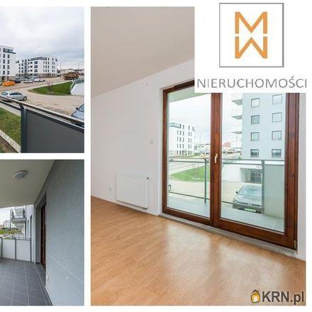 Rent this 3 bed apartment on Szkoła Podstawowa nr 85 im. Zrzeszenia Kaszubsko-Pomorskiego in Stolema 59, 80-177 Gdansk
