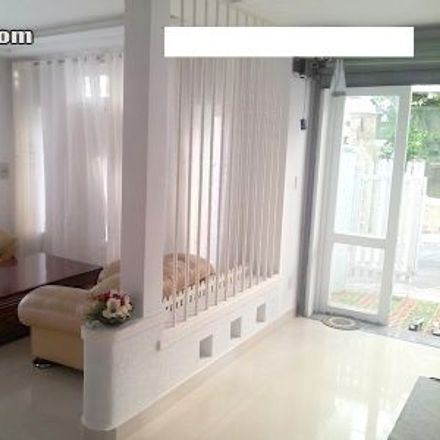 Rent this 3 bed house on سنجابی in Kermanshah County, Iran