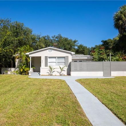 Rent this 4 bed house on 521 35th Avenue Northeast in Saint Petersburg, FL 33704
