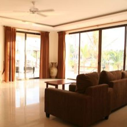 Rent this 4 bed house on Na Jom Tien in Soi Na Jom Tien 4, Ban Amphoe