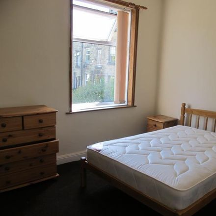 Rent this 1 bed room on Cash zone in Bingley Road, Bradford BD18 4DH