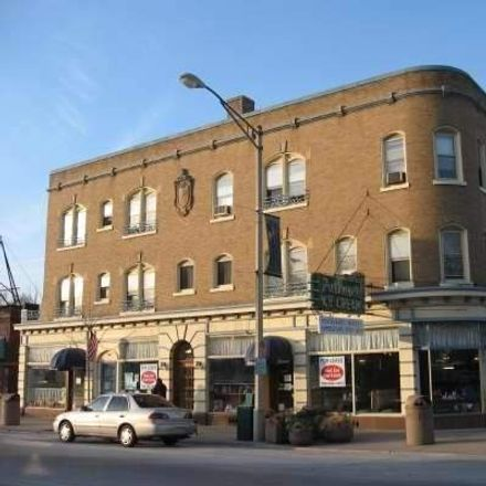 Rent this 1 bed townhouse on 1104 Chicago Avenue in Oak Park, IL 60302