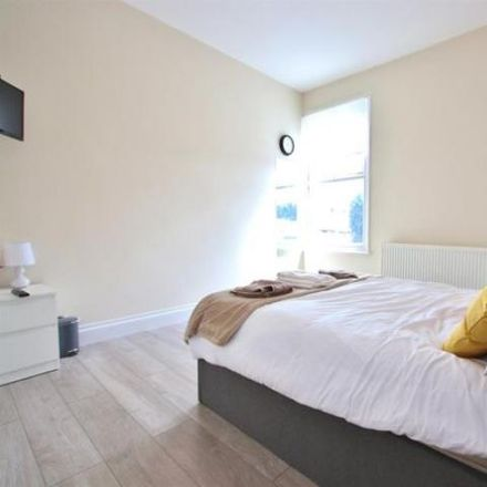 Rent this 1 bed loft on The Sphere in Hallsville Road, London E16 1BG