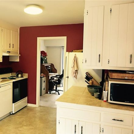 Rent this 3 bed townhouse on 46 Summer East in Seasons Trace, VA 23188