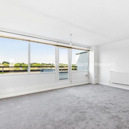 Rent this 2 bed apartment on Elgar Lodge in Fair Acres, London BR2 9UN