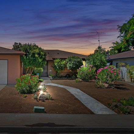 Rent this 3 bed house on 426 West Scott Avenue in Clovis, CA 93612