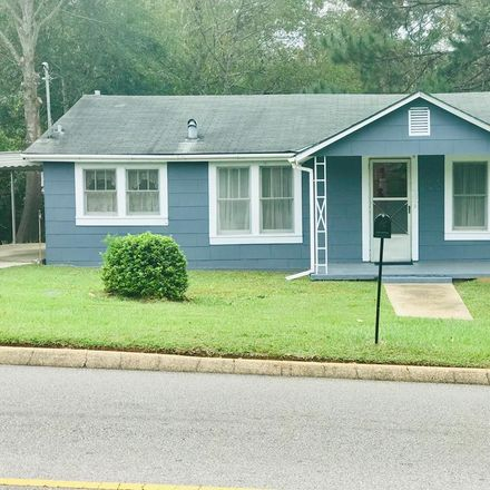 Rent this 2 bed house on 6th Ave in Dothan, AL