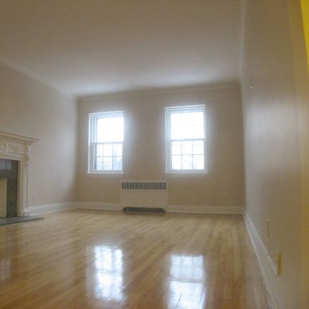 Rent this 1 bed apartment on 4890 Boulevard Édouard-Montpetit in Montreal, QC H3W 1P8