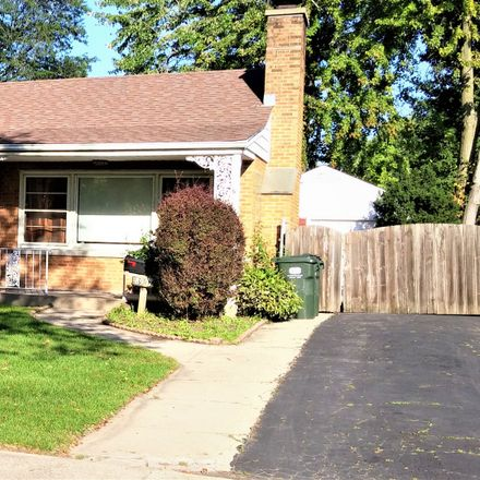 Rent this 3 bed house on 8927 Parkside Avenue in Morton Grove, IL 60053