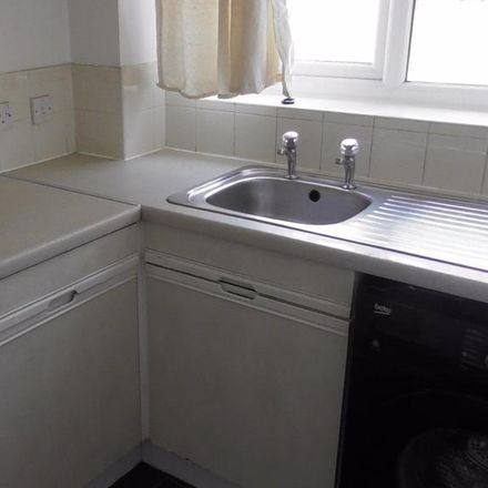 Rent this 3 bed house on 35 Heron Drive in Nottingham NG7 2DE, United Kingdom