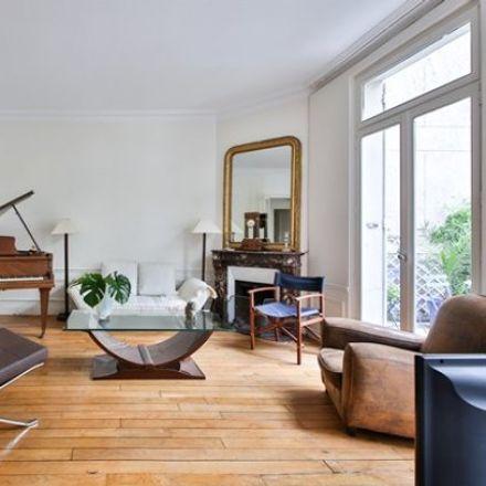 Rent this 3 bed apartment on Paris in ÎLE-DE-FRANCE, FR
